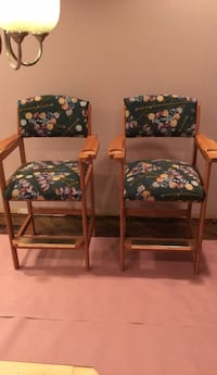 two brown wooden framed green floral padded chairs Arlington Heights, 60004