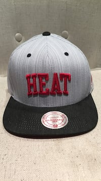 Mitchell & Ness Miami Heat SnapBack. Never worn   Calgary, T2G