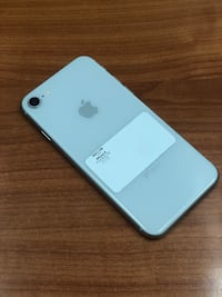 White iPhone 8 64GB (CARRIER UNLOCKED)