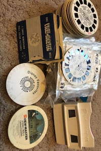 Viewmaster with about 220 disks. Calgary, T2Y 2W5