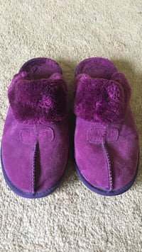 children's pair of purple UGG house slippers Gloucester, 08021