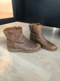 Roots Leather Tribe Booties