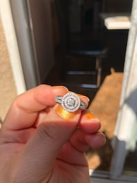 14k white gold engagement ring size 5  Los Angeles, 91401