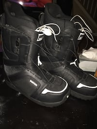 black-and-white Burton snow boots Winnipeg, R3T 0N7