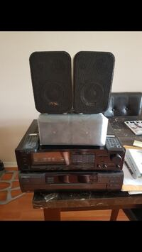 Home stereo and speaker set Vaughan, L4J 9G4