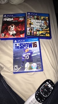 PS4 NBA 2K17 and NBA 2K17 game cases