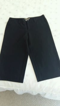 Guess black cropped pants.  Size 27 Toronto, M8V 4B8