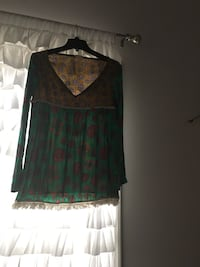 Green and brown v-neck sweater 日耳曼敦, 20874