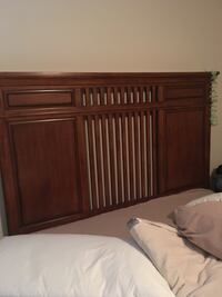 Queen size, mission oak bed.  Includes headboard, footboard and side rails. Haymarket, 20169