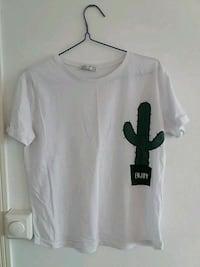 T-shirt. Small but quite oversize.. Oslo, 0271