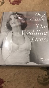 Oleg Cassini The Wedding Dress book Villa Park, 60181
