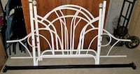 Twin size Metal Daybed in white w/ Mattress & Box spring**EXCELLENT CONDTION** Brampton