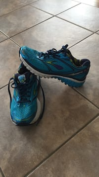 pair of blue-and-black running shoes Okotoks, T1S 2A3