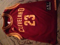maroon and yellow Cleveland Cavaliers Lebron James 23 jersey youth small  North Haven, 06473