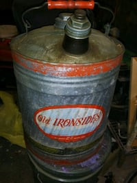 Vintage Gas can Perry, 31069
