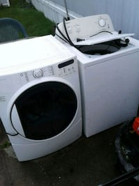 washing machine and dryer both work  401 mi