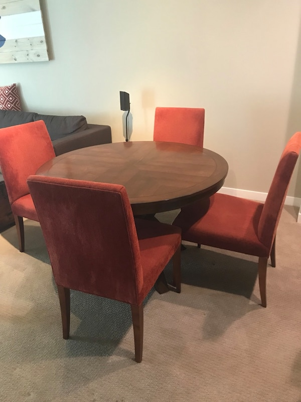 Used Wood Dining Table And Crate Barrel Chairs For In Mountain View Letgo