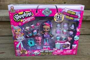 (New)unopened shopkins set $15 (price firm) pickup only