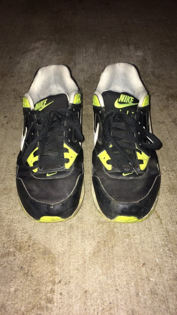 Used Air Nikes size 10 0