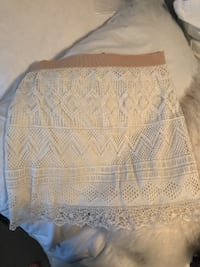 American eagle lace skirt VANCOUVER