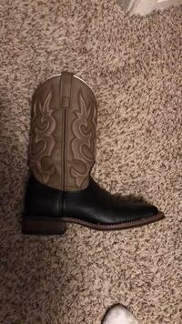 Pair of black leather cowboy boots Houston, 77081