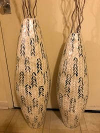 """Set of 2 large handcrafted capiz vases 35""""$33"""" tall with free bamboo sticks check out my other listings on this page message me if you interested pick up in Gaithersburg md 20877 Gaithersburg, 20877"""