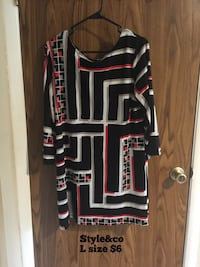 Red, white, and black scoop-neck dress Alexandria, 22312