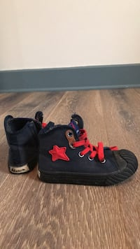 Toddler / kids / baby   shoes / sneakers  Côte-Saint-Luc, H4W 1Z8