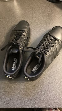Pair of black leather addidas Ottawa, K2G 1X9