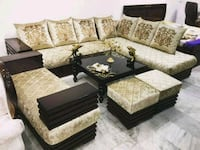 black and brown floral sofa set New Delhi, 110064