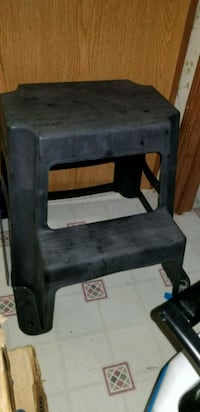 2.5ft tall step stool  Washington, 27889