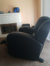 electric leather recliner great condition  Manteca, 95336