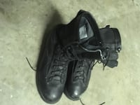 pair of black leather work boots Arlington, 76010