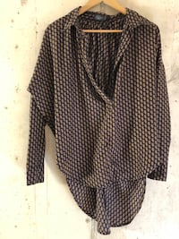Loose casual patterned blouse size small Toronto, M4M 1J2