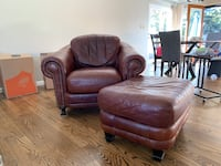 Comfy leather chair and ottoman Arvada, 80002