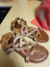 Brand new size 8 pink and brown sandals Saint Catharines, L2P 1P3