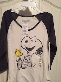 Teen girls Peanuts shirt  London, N6M 1J4