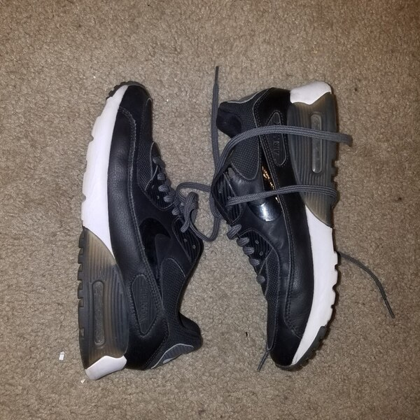 212a49ec2c42 Used Barely Worn Nike Air Max Size 8 Womens for sale in San Jose - letgo