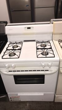 Frigidaire gas stove 4 months warranty  Baltimore, 21230