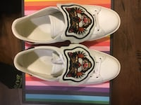 pair of white-and-red floral low tops Brampton, L6V 3X9