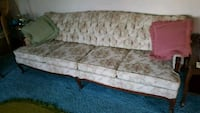 Antique Sofa Orillia, L3V 7S8