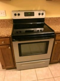 Frigidaire Smooth Top Electric Stove