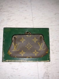 Louis Vuitton Saks Fifth Avenue change purse