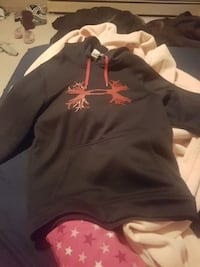 under armor sweater  Grande Prairie, T8V 0H5