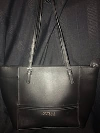 Large Guess blk leather purse