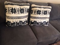 two white-and-black throw pillows St Catharines, L2N 6T3