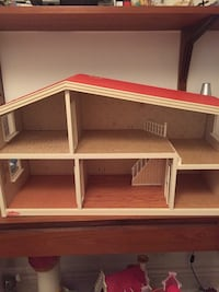 Vintage Lundby doll house with furniture