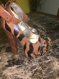 pair of brown leather open-toe heeled sandals Smyrna, 37167