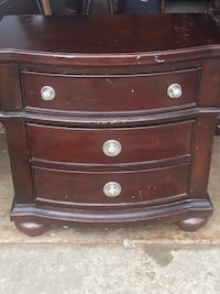 Brown wooden 3-drawer chest Oklahoma City, 73064