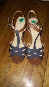 pair of black-and-brown sandals Middletown, 06457